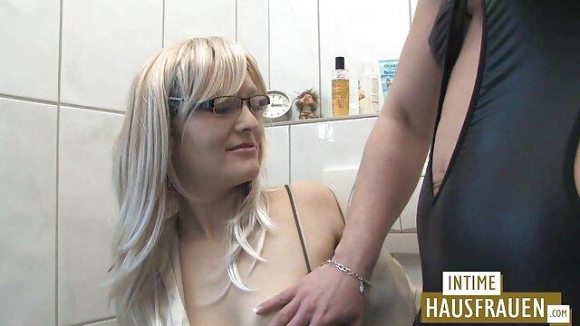 MILF potelée amateur en film amateur gratuit bas noirs baisée sur le canapé